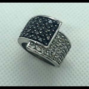 Premier Designs Jewelry - Retired- Premier Designs Cubic Zirc Overlap Ring